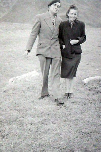 """22 août 1954 Paule et Alexis Vaudaine en sortie au col du Galibier <a target=""""_blank"""" href=""""http://padddy.fr/olympus-digital-camera-30/"""">>En savoir plus</a>"""