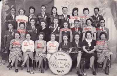 """Conscrits de Châbons, classe 1945, avec Pierrot Biéssy et paule <a target=""""_blank"""" href=""""http://padddy.fr/chabons-classe-1945/"""">>En savoir plus</a>"""