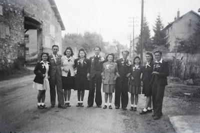 "Conscrits de Châbons, classe 1947, avec Marie Thérèse Vaudaine <a target=""_blank"" href=""http://padddy.fr/olympus-digital-camera-26/"">>En savoir plus</a>"