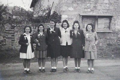 """Conscrits de Châbons, les filles d ela classe 1947, avec Marie Thérèse Vaudaine <a target=""""_blank"""" href=""""http://padddy.fr/olympus-digital-camera-27/"""">>En savoir plus</a>"""